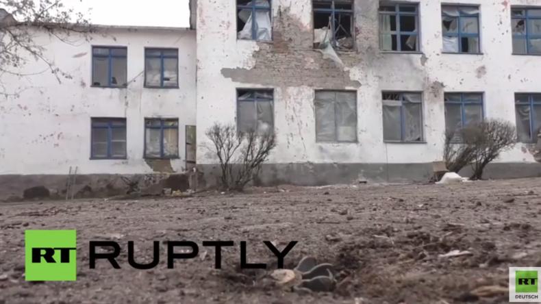 """""""Wichtigeres zu tun"""": OSZE verweigert Begutachtung einer gerade erst zerbombten Schule - Basurin"""