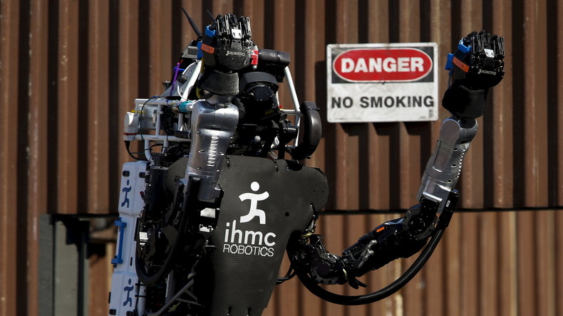 """Kein Ponyhof: Der """"Running Man"""" wurde von der Google-Firma Boston Dynamics im Rahmen des Robotic Challenge der  Defense Advanced Research Projects Agency (DARPA) in Pomona vorgestellt, Kalifornien Juni 2015."""