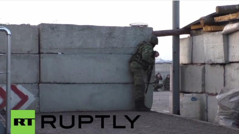 Ukraine: Journalisten unter Beschuss - Kiew-Kräfte greifen Donezker Checkpoint an