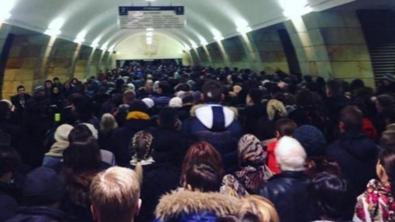"""""""Alles steht still"""" - Bauarbeiten führen zu teilweisem Kollaps der Moskauer Metro-Linie"""