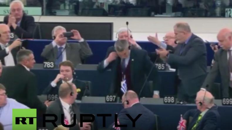 """Frankreich: Abgeordneter der griechischen """"Goldenen Morgenröte""""  aus EU-Parlament geschmissen"""