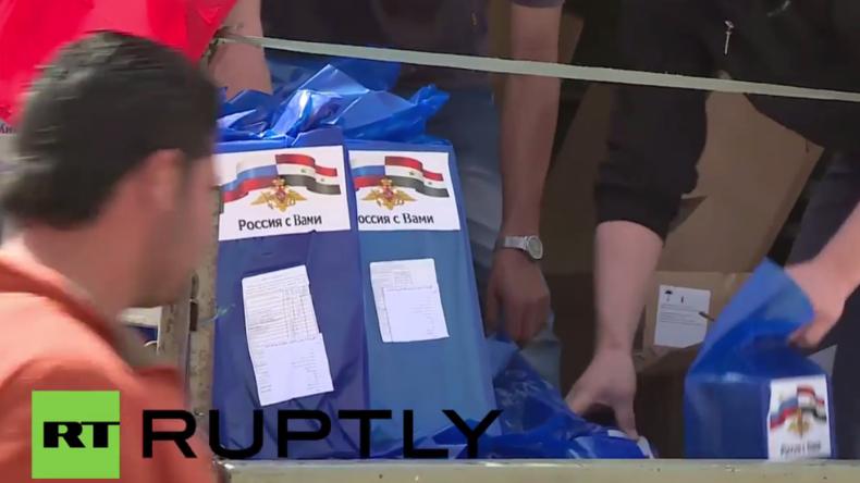 Syrien: Russische Soldaten liefern humanitäre Hilfe in der Provinz von Damaskus aus