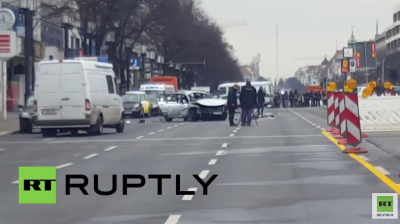 Auto explodiert in Berlin - Fahrer getötet: Polizei geht von Sprengsatz aus