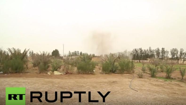 RT-Journalisten bei Dreharbeiten in Syrien fast durch Granatfeuer getroffen