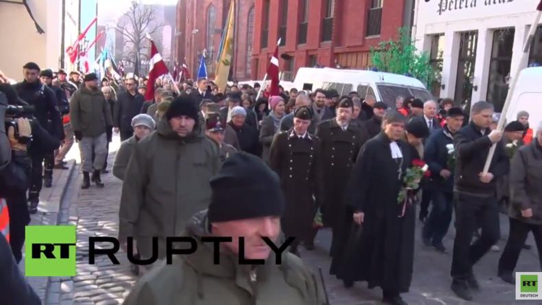 Live aus Riga: Rechtsradikale veranstalten Marsch zu Ehren der lettischen Waffen-SS in Riga