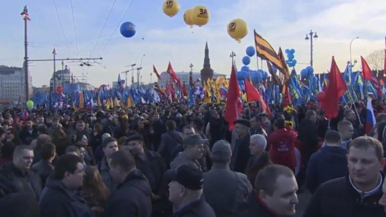 Live: Feierliche Kundgebung in Moskau zum zweijährigen Jubiläum der Wiedervereinigung mit der Krim