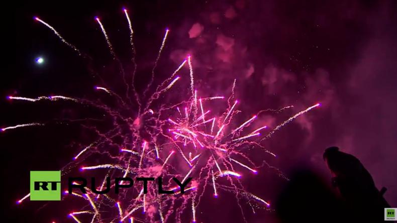 Live: Feier und Feuerwerk in Sewastopol auf der Krim zur Wiedervereinigung mit Russland