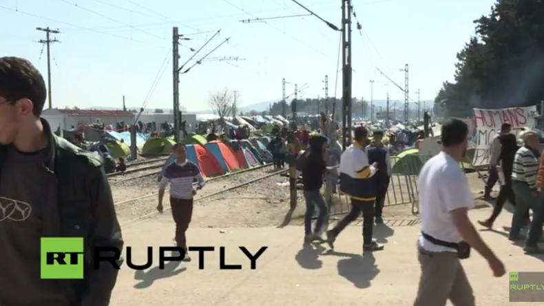 Live aus Idomeni: Die Flüchtlinge bleiben trotz der beschlossenen Maßnahmen beim EU-Türkei-Gipfel