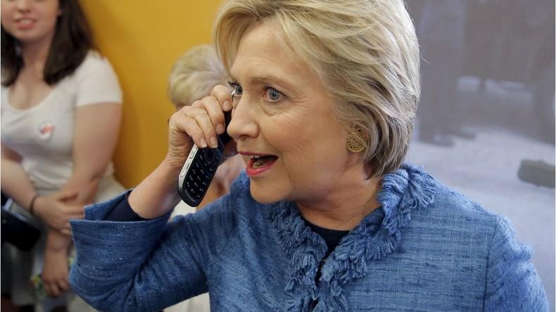 NSA verweigerte Clinton ein sicheres BlackBerry wie Obama, deshalb benutzte sie ihr eigenes