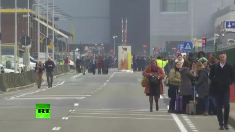 Live: Terroralarm nach mindestens drei Explosionen in Brüssel - Tote und Verletzte