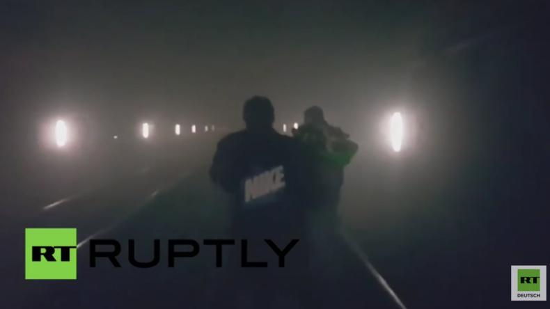 Brüssel: Videos zeigen Situation und Evakuierung nach tödlicher Explosion in U-Bahn