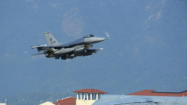 Türkischer Bombenkrieg gegen kurdische PKK im Irak - 26 Tote Kämpfer
