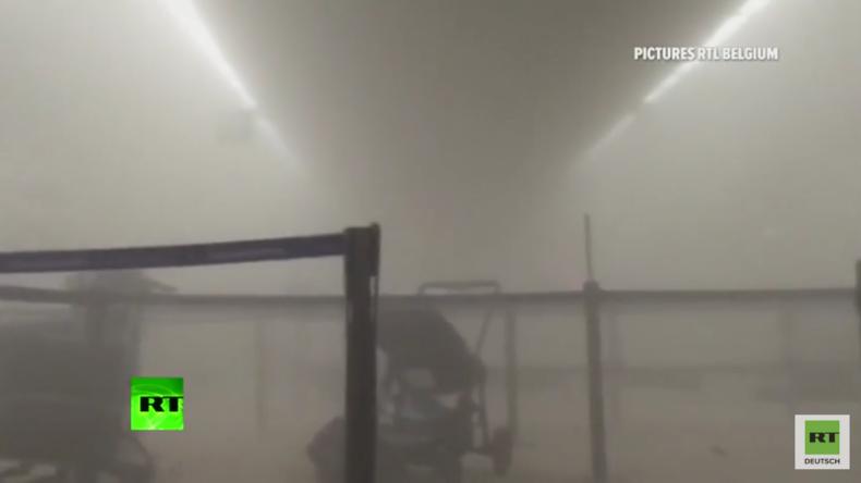 Brüssel: Grausame Bilder im Flughafen kurz nach dem Anschlag - Kinderwagen, Schreie und Verletze