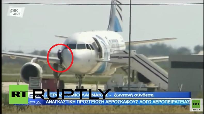 Entführtes Passagier-Flugzeug: Video zeigt waghalsige Flucht des vermeintlichen Piloten