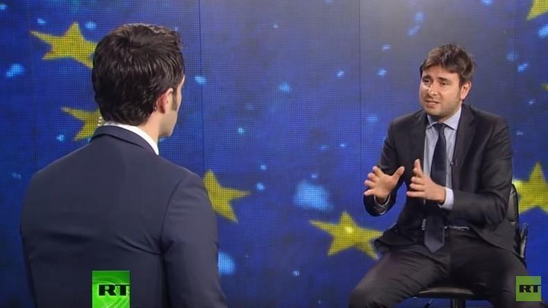 """Italienischer Abgeordneter zu RT: """"Westen weiß Bescheid, wer die Terroristen finanziert"""""""