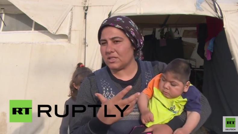 """""""Sie braucht dringend medizinische Hilfe"""" - Mutter mit schwerbehindertem Baby im Idomeni-Camp"""