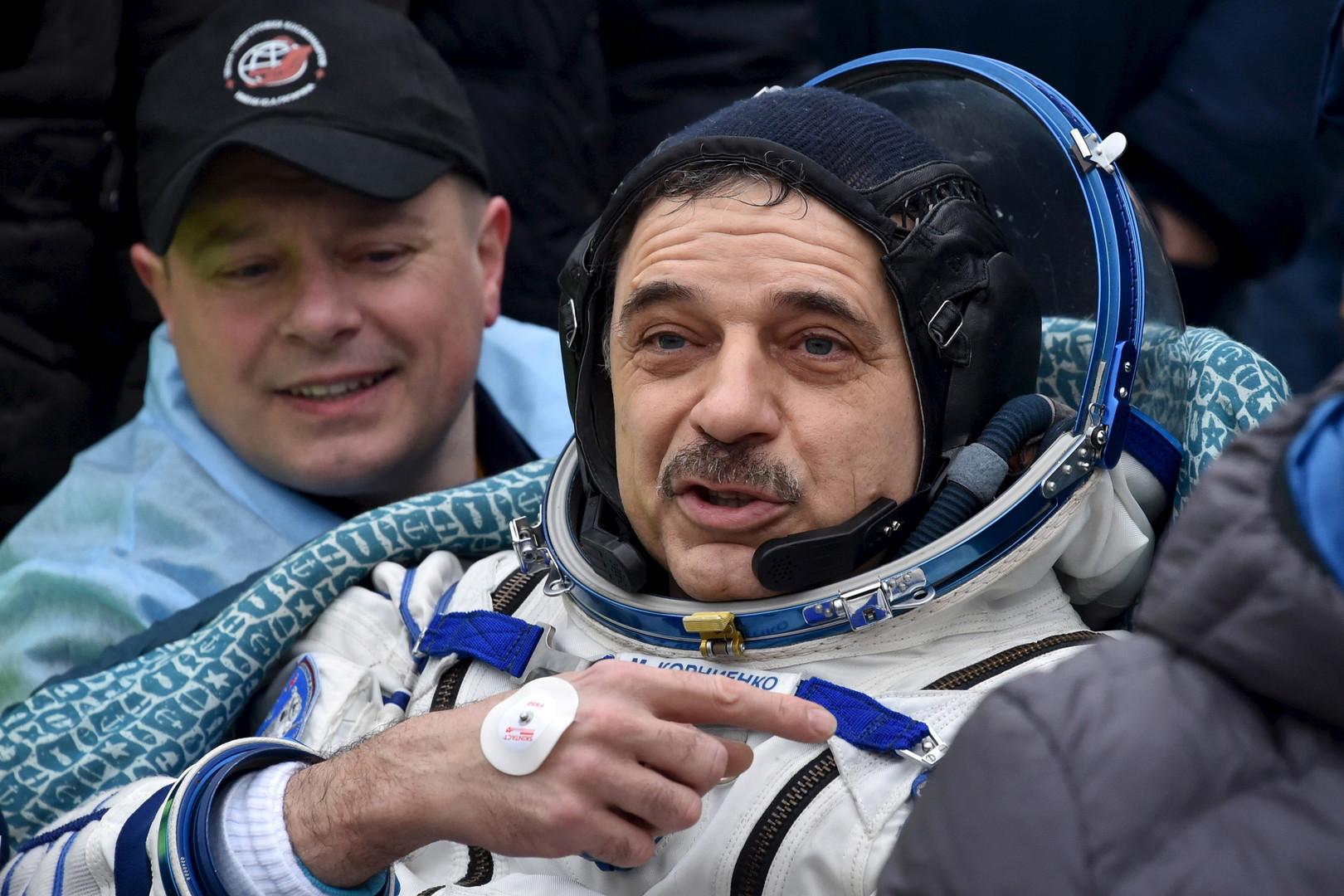 Der russische Kosmonaut Mikhail Kornienko kurz nach der Landung.