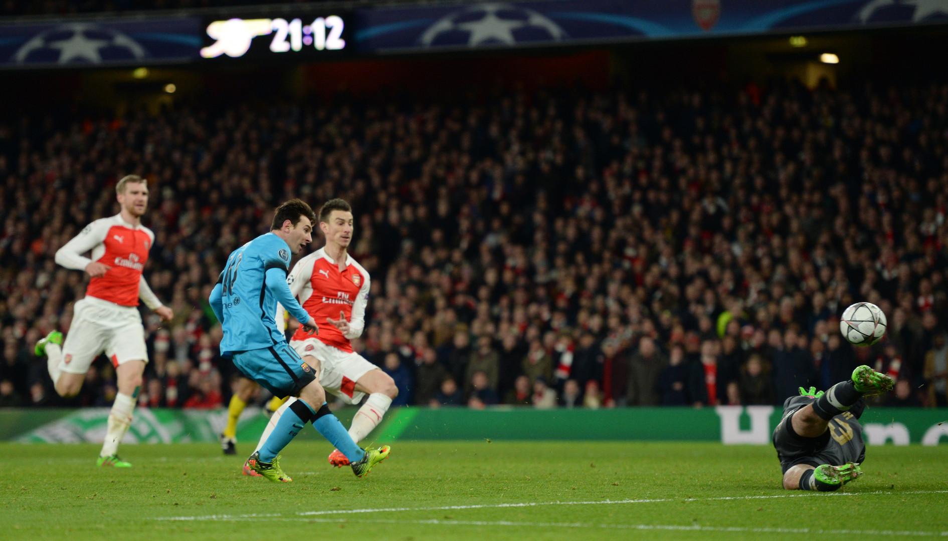 Lionel Messi trifft zum 1:0.