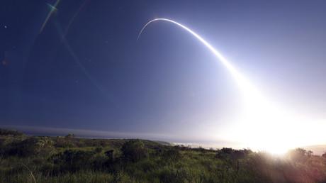 Start der Minuteman III-Intercontinental-Rakete auf der Vandenberg Air Force Base in Kalifornien am 25. Februar 2016.