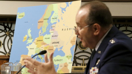 Der General der US-Air Force, Philip Breedlove, bei seinem Lieblingsthema: Russland.