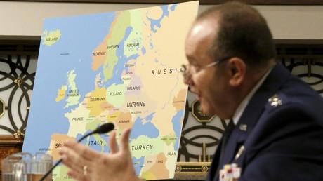 Der General der US-Air Force, Philip Breedlove, bei seinem Lieblingsthema: Russland.