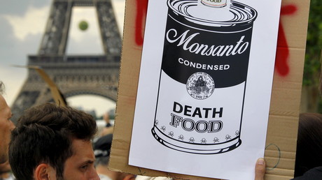 Weltweite Demonstrationen gegen Monsanto, den weltgrößten Hersteller von Glyphosat, hier in Paris im Mai 2015. Menschen in 48 Ländern protestierten gegen Monsanto und sein Herbizid