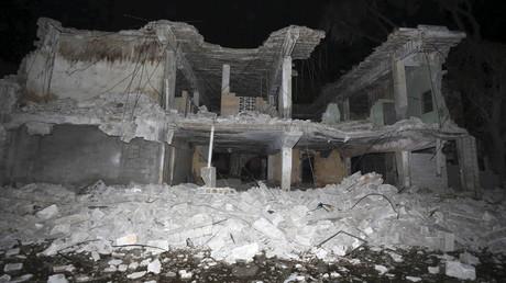 Zerstörtes Gebäude nach einem Bombenangriff in Somalia, Mogadischu, Somalia Februar 2016.