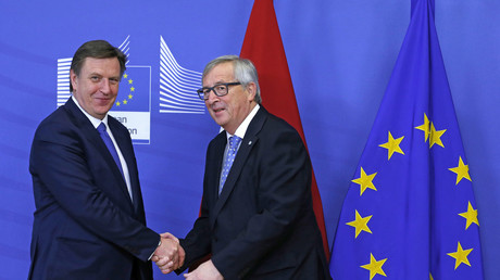 Lettlands Premierminister Maris Kucinskis mit EU-Kommissionspräsident Jean-Claude Juncker