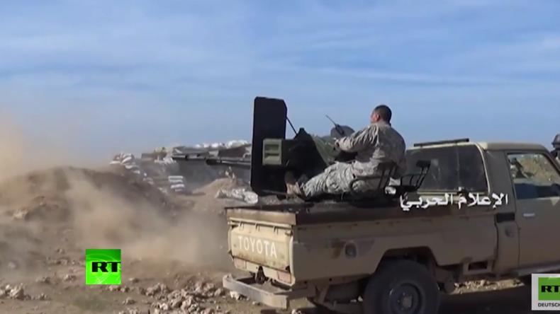 Al-Nusra-Front startet Offensive im Süden Aleppos: Video zeigt angeblich Angriffe auf SAA-Stellungen
