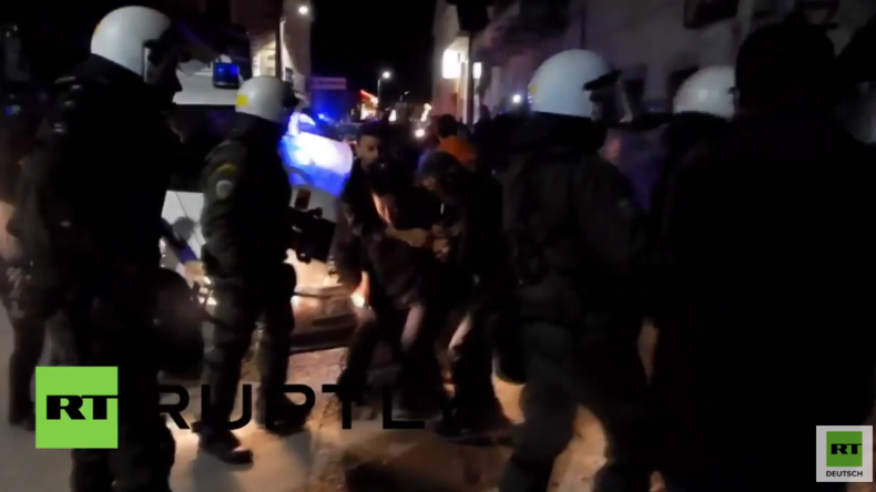 Griechenland: Schwere Zusammenstöße zwischen Flüchtlingsgegnern und Polizisten auf Chios