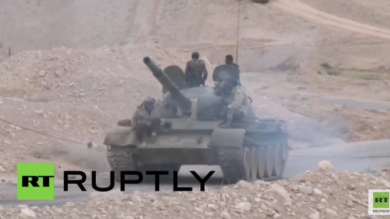 Syrien: Syrisch Arabische Armee erobert christliche Stadt al-Karjatain vom IS zurück