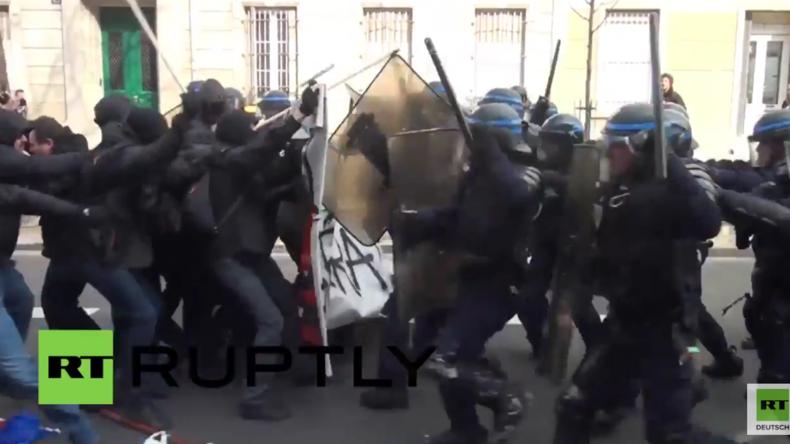 Frankreich: Mindestens 130 Menschen bei Protesten gegen Arbeitsrechtsreform in Paris verhaftet