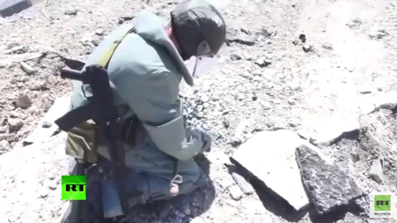 Syrien: Russische Sprengstoffexperten entschärfen Minen im antiken Palmyra