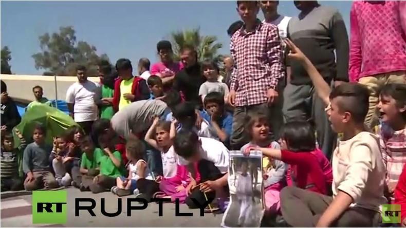 Live: Proteste in Piräus nach Besuch des griechischen Migrationsministers