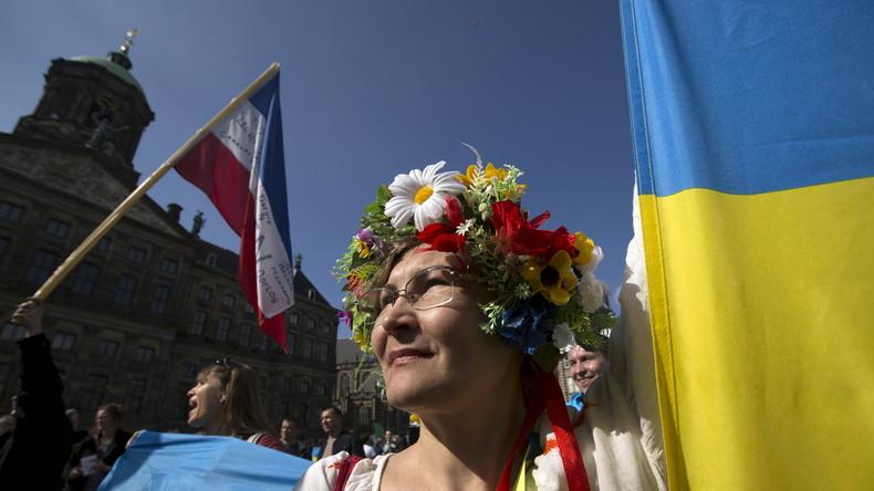 Live aus Amsterdam bei Auszählung des EU-Ukraine Referendums