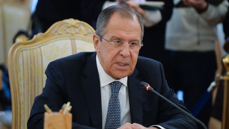 Live: Russischer, iranischer und aserbaidschanischer Außenminister geben gemeinsame Pressekonferenz