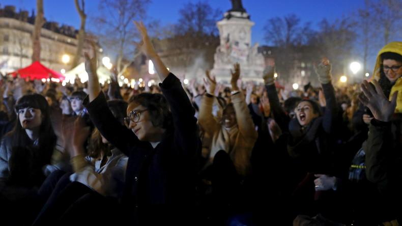 """Massen-Proteste in Frankreich: """"Euch gehört die Macht, uns gehört die Nacht"""""""