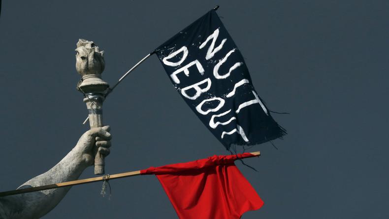 """Kundgebungen bei Nacht: Das Protestlager der Bewegung """"Nuit debout"""" in Paris"""