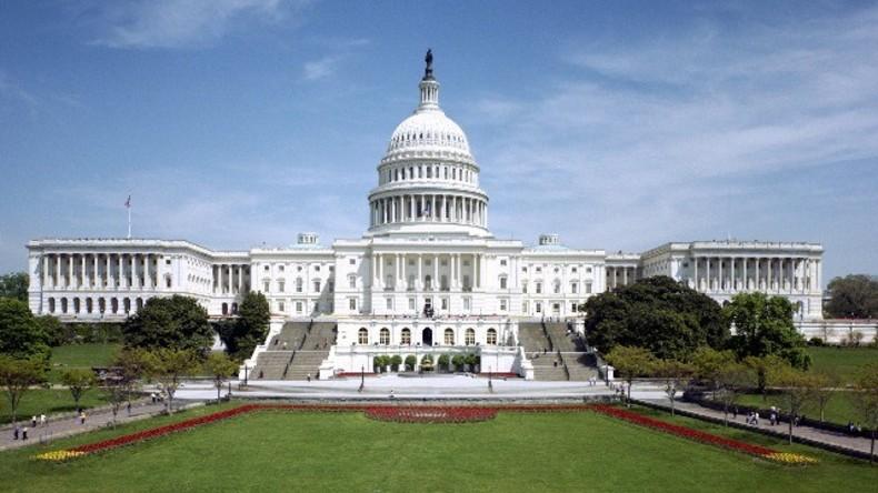 Live: Tausende bei Sitzblockade gegen Bankensektor vor Kongress in Washington DC