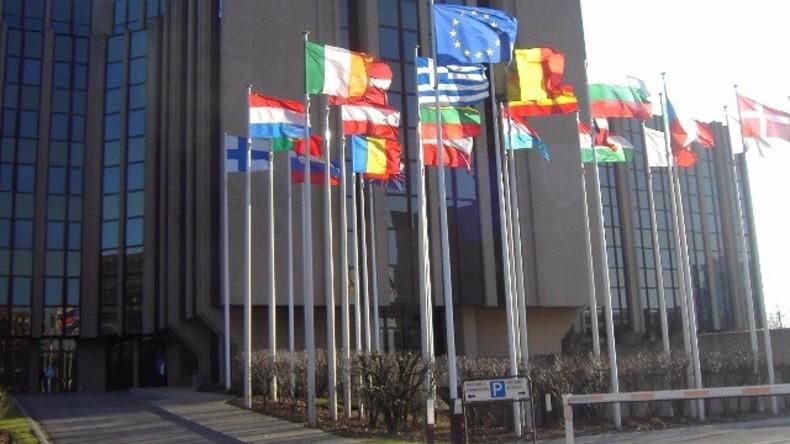 """Live: Europäische Kommission zu Steuerhinterziehung im Lichte der """"Panama-Papiere"""""""