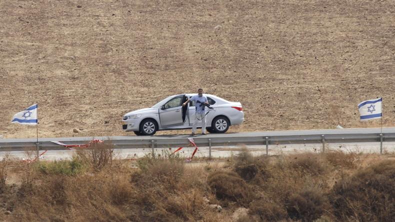 Bewaffneter jüdischer Siedler im besetzten Westjordanland, Nablus-Region.