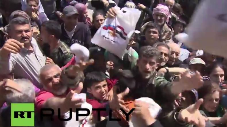 Syrien: Russische Truppen liefern dringend benötigte humanitäre Hilfe in Salhab aus