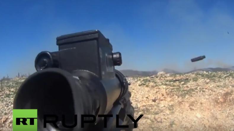 Syrien: GoPro-Aufnahmen zeigen Kämpfe der syrischen Armee gegen Al-Nusra-Kämpfer in Nord-Latakia
