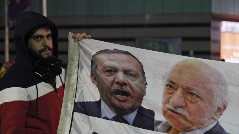 Verhaftungswelle in der Türkei: Wer steckt hinter der Gülen-Bewegung?