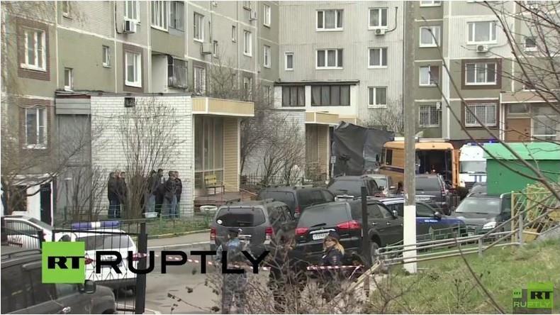 Live: Polizeieinsatz in Moskauer Wohngebiet nach Waffen- und Sprengstofffund - Entschärfung
