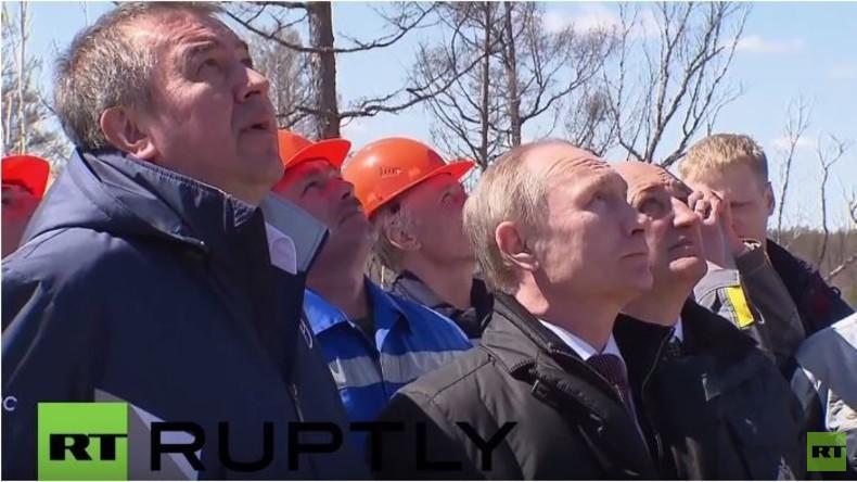 Putin beobachtet historischen Raketenstart im Kosmodrom Wostotschny und lobt Mitarbeiter