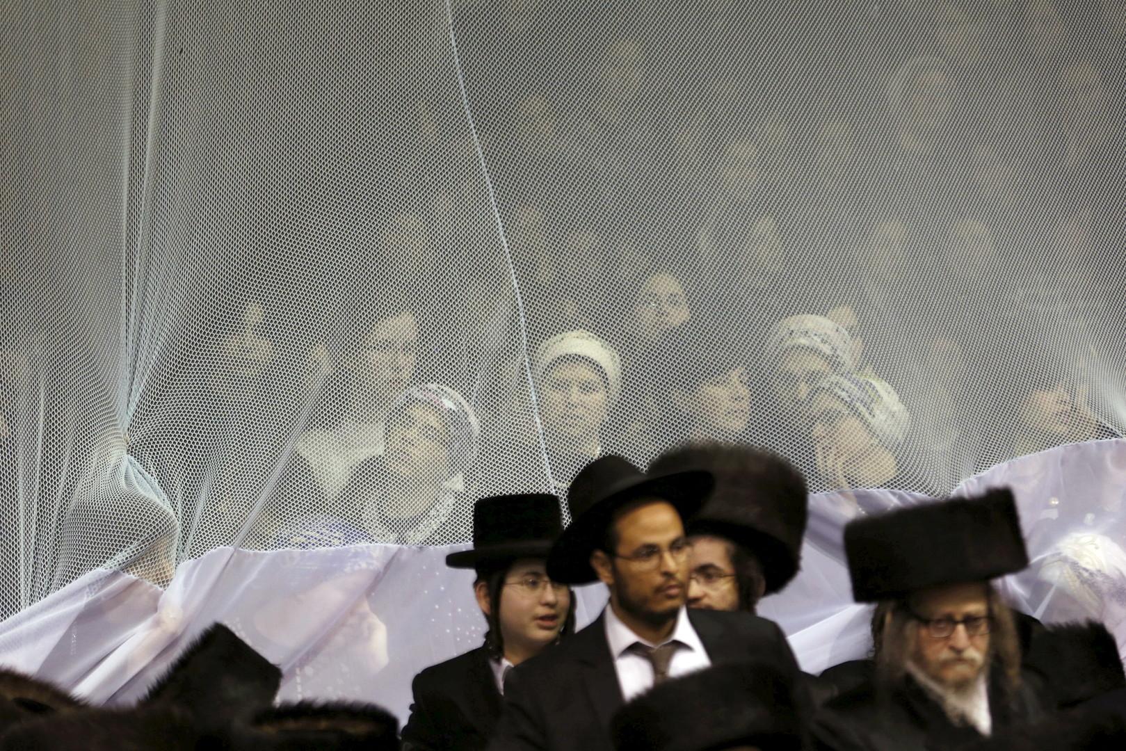 Orthodoxe Jüdinnen bei einer Hochzeit in Netanya, Israel, März 2016.