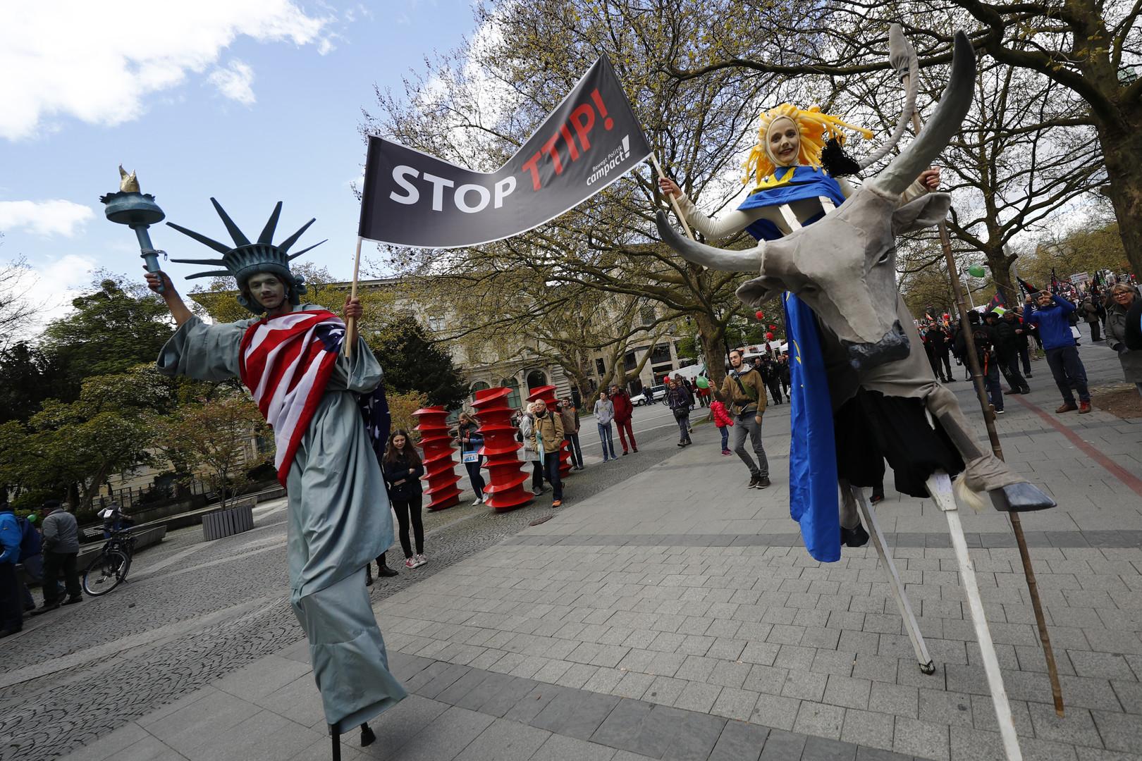 Proteste gegen Freihandel in Hannover: TTIP und CETA stoppen