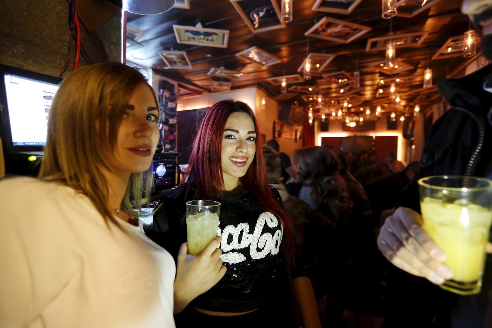 """So feiert man in der Bar """"80's"""". Damaskus, 11. März 2016"""