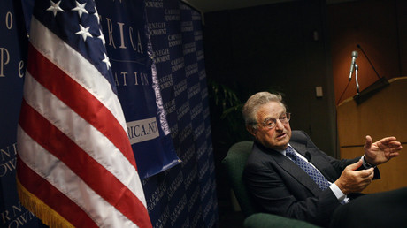 George Soros spricht auf der New America Foundation in Washington.